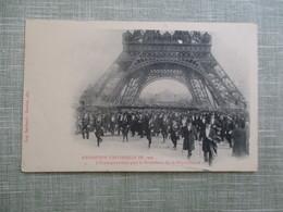 CPA 75 PARIS EXPOSITION UNIVERSELLE DE 1900 TOUR EIFFEL FOULE  ANIMEE - Expositions