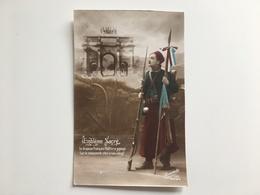 AK CP Embleme Sacre Arc De Triomphe Paris Zouave Patriotique - Guerra 1914-18