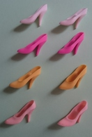 POUPEE BARBIE - LOT De 8 CHAUSSURES à TALON AIGUILLE - BLANC VIOLET JAUNE ROSE - Barbie