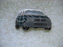 Pin's Ballard D'un Chrysler Voyager De Couleur Verte - Badges