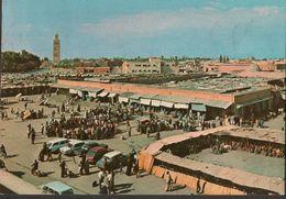 CARTE POSTALE - MARRAKECH - PLACE DJEMAA EL FNAA - VOITURE CITROEN DS - Marrakech