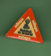 MILUPA *** BEBE A BORD *** 1030 (49) - Badges