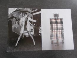 Publicité Papier Parfum - Perfume Ad : BURBERRY Brit Double Page   France 2004 - Advertisings (gazettes)