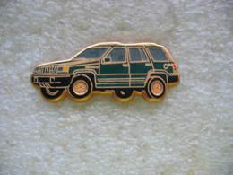 Pin's Ballard, Jeep De Chez Chrysler De Couleur Verte - Badges