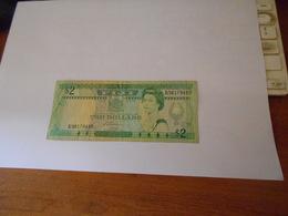 FIJI    1988  -  2   DOLLARS  BILLET - Fiji