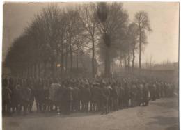 Carte Photo Chalons Sur Marne 1915 Guerre 1914-1918 - Militaires Convoi De Prisonniers Boches Parc 101 ? - Guerre 1914-18