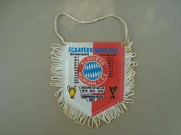 FANION ECUSSON TISSUS F.C BAYERN-MÜNCHEN - Blazoenen (textiel)