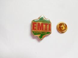 Beau Pin's , Ascenseurs EMTI à Montpellier , Ascenseur - Badges