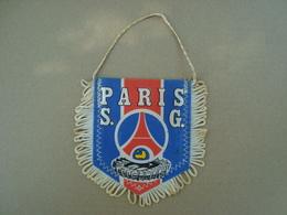 FANION ECUSSON TISSUS PARIS S.G - Blazoenen (textiel)