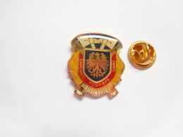 Beau Pin's , Sapeurs Pompiers , Sand , Blason , Bas Rhin , Alsace - Firemen