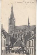 Alsemberg - De Kerk - Zeer Geanimeerd - Uitg. H. Essemaecker, Dworp - Eglises Et Cathédrales