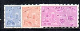 APR1745 - PAKISTAN 1957 , Serie Yvert N. 92/94  ***  MNH  (2380A) - Pakistan