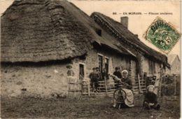 CPA En Morvan. Fileuse Ancienne (864955) - France