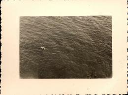 Snapshot Photo Aérienne Monaco 1956 Bateau Sur La Mer Barque - Barche