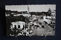 F-263 / Maroc - Tanger, Place Du Grand Socco / Circule En 1952 - Tanger