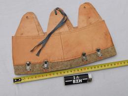 COIFFE CASQUE ADRIAN W.W.2 - ETAT De STOCK JAMAIS SERVI - GRANDE TAILLE 60 - Headpieces, Headdresses