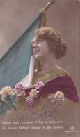 """MILITARIA. GUERRE14-18 PATRIOTIQUE. JEUNE FEMME  """" CONTRE TOUS LES DANGERS IL FAUT LE DEFENDRE .. """".TEXTE DU 27 MAI 1915 - Patriotiques"""