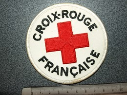 ECUSSON  TISSUS   CROIX ROUGE   FRANCAISE - Escudos En Tela