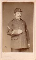 Carte De Visite Cdv Albumine Albumen, V. Plumier, Militaire Uniforme - Guerre, Militaire