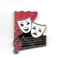 Pin's  Ville, Musique, Clown, Cinéma, Théâtre  Alsacien  à  ASPACH  ( 68 ) - Música