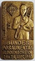 INSIGNE - BROCHE - ALLEMAGNE - BUNDES POSAUNENTAG LÜDENSCHEID - 24/25 SEPT. 1949 - JOUEUR DE TROMBONE - Objets Dérivés