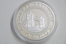 """Jetons Et Médailles Touristique  ROYAUME-UNI """"TOWER BRIDGE - LONDON"""" """"UNION JACK - THE UNITED KINGDOM"""" - Royaume-Uni"""