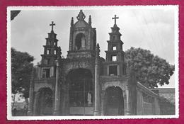 Ancienne PHOTO De PRESSE De 1951 Une Eglise Au VIET-NAM, INDOCHINE, à Localiser... CACHET Du Photographe Au Dos..2 Scans - Places