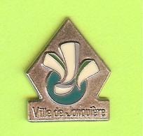 Pin's Ville Du Québec Jonquière - 4GG15 - Villes