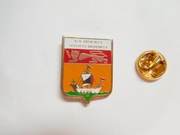Beau Pin's , Blason Du Nouveau Brunswick , New Brunswick , Canada - Badges