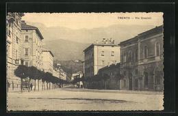 Cartolina Trento, Via Grazioli, Strassenpartie - Trento