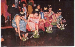 CARTOLINA  X ITALY LOI-KA-THONG FESTIVAL - Tailandia