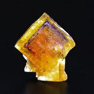 Fluorine Jaune Avec Fantôme Bleu-mauve, Mine Bergmännisch Glück, Frohnau, Saxe, Allemagne. 2,6 X 2,2 X 1,7 Cm. 13 Gr. - Mineralien
