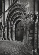 17 Saintes Façade Romane De L'Abbaye Sainte Marie Des Dames (2 Scans) - Saintes