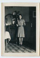 Femme Woman Portrait Intérieur  Robe Dress Fashion Mode 40s 1942 Ww2 - Personalidades Famosas