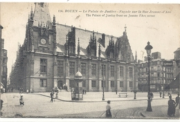 114. ROUEN . LE PALAIS DE JUSTICE . FACADE SUR LA RUE JEANNE D'ARC . CARTE ANIMEE ECRITE AU VERSO - Rouen