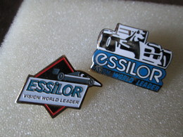 PIN'S   LOT 2  ESSILOR - F1