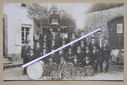 51 LE BREUIL RARE Et Superbe Photo Collée Sur Carton, Pas Carte, De La Fanfare En 1900; 14x9cm. - France