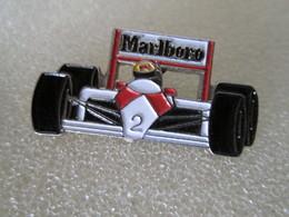 PIN'S   Mc  LAREN  F1 - F1