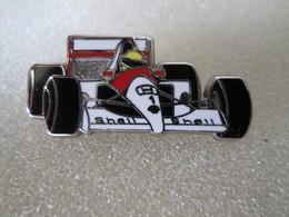 PIN'S   Mc  LAREN  F1   Locomobile  Zamak - F1