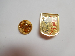 Beau Pin's , JO ?? Anneaux Olympiques , UASNPF ?? Carte De France Tricolore - Olympic Games