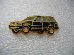 Pin's Ballard, Jeep De Chez Chrysler De Couleur Noire - Badges