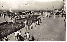 14 Trouville N°9010 La Promenade Animée Jeux Enfants Toboggan Stade Vassart ? En 1957 éditions Glatigny - Trouville