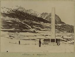 Obélisque De Montgenèvre. Militaires. Militaria. Hautes-Alpes. Vers 1900. - Oud (voor 1900)