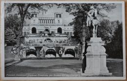 Potsdam Sanssouci Denkmal Friedrichs Des Großen Vor Der Orangerie - Potsdam