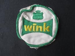 ECUSSON BELGIQUE (M1909) WINK (2 Vues) Magasin Wink - Delhaize - Blazoenen (textiel)