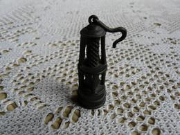 Miniature Collector En étain Lampe - Etains