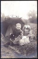 CARTE PHOTO FILLETTE ET GARCON  - PIQUE-NIQUE --- PICNIC - PICKNICK - Circulée 1907 - Abbildungen