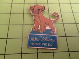 910d Pin's Pins / Beau Et Rare : THEME : DISNEY / HOME VIDEO DESSIN ANIME LE ROI LION - Disney