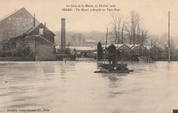 La Crue De La Meuse, 23 Février 1910 -  Un Départ Précipité Au Petit-Pont - Sedan