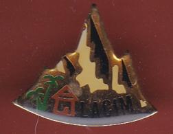 59424-Pin's. Association. Lacim .les Amis D'un Coin De L'Inde Et Du Monde - Associations